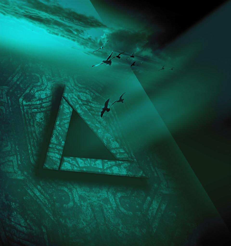 Triangular Monochrome 2018